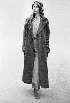 Surveillance photograph of Frieda Graham: 1914 Season Of The Witch, London Museums, Women In History, British History, Edwardian Era, Women Life, British Style, Ladies Day, Coats For Women