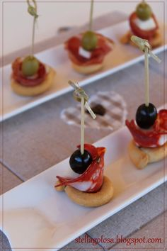Finger food veloce con i tarallini by dany dany - Pagina 1 Appetizer Buffet, No Cook Appetizers, Vegetable Carving, Romanian Food, Party Finger Foods, Fusion Food, Antipasto, Food Humor, Wine Recipes