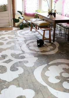While design ideas for the painted wood floors are plenty, the hottest trends today are stenciled floors and painted floor rugs. Decor, Wood Floor Design, Diy Flooring, Creative Flooring, Painted Wood Floors, Painted Concrete Floors, Painted Rug, Flooring, Stencil Furniture