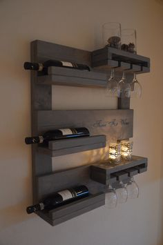 - All For House İdeas Wine Glass Rack, Wine Rack Wall, Palette Deco, Rustic Wine Racks, Pallet Wine, Bars For Home, Pallet Furniture, Home Projects, Diy Home Decor