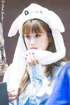 Park Chorong Apink❤180706 Pink Park, Panda Eyes, Chubby Cheeks, Fans Cafe, Cube Entertainment, Make Me Smile, Girl Group, Rapper, Kpop