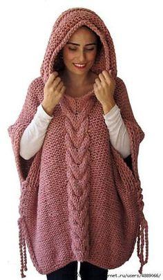 Стильное пончо с капюшоном - универсальная и уютная вязаная одежда
