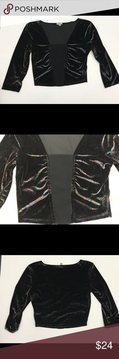 Ecote Urban Outfitters Black Shiny Crop Top •Pre-Owned  •Ecoté Urban Outfitters  •Black and multi-color  •Size S •Excellent Used Condition  •Shiny Paisley design throughout  •Measurements are approximations taken on a flat surface ! Ecote Tops Crop Tops