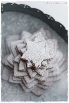 star biscuit tree, with snow - This looks awesome!