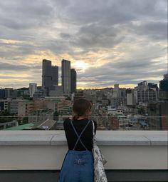 Korean Aesthetic, Aesthetic Girl, Short Hair Back View, Park Quotes, Asian Street Style, Girl Short Hair, Outdoor Life, Ulzzang Girl, Japanese Girl