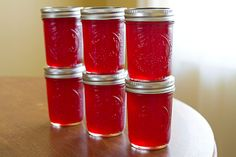 Red Currant Jelly via Tracy of Sugarcrafter Canning Tips, Canning Recipes, Jelly Recipes, Whole Food Recipes, Red Currant Jelly Recipe, Berry Picking, English Food, English Recipes, Fruit Preserves