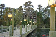 I have been to all the sites available & seen tons of photos of Wilderness Lodge, inside & out, but I still can't get enough. Lake Dock, Boat Dock, Dock Lighting, Wilderness Resort, Dock Of The Bay, Pine Trees Forest, Beach Properties, Floating House, Disney Resorts