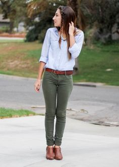 Olive Green Hollister Co Pants Outfit with Blue Striped Gingham Button Up Blouse Top, Franco Sarto Brown Heeeled Booties with Brown and black color block clutch with pearl necklace accessories from Moo's Musing Black Blouse Outfit, Olive Green Pants Outfit, Green Khaki Pants, Slacks Outfit, Bluse Outfit, Green Shoes Outfit, Dress Shoes, Fall Outfits For Work, Casual Work Outfits