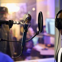 @cllctd_music making some magic with @whoislivvyk behind the mic 🎤 #whoislivvyk #cllctd #keepmusicgoing #kmgacademy #kmglife