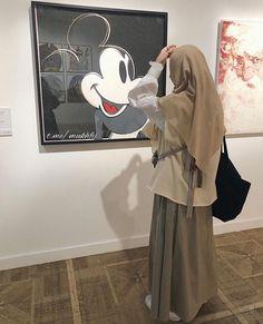Casual Hijab Outfit, Hijab Chic, Muslim Girls, Muslim Women, Modest Outfits Muslim, Hijab Collection, Hijab Fashion Inspiration, Girl Hijab, Mode Hijab