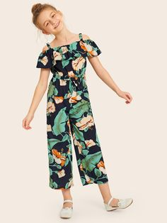 To find out about the Girls Cold Shoulder Ruffle Trim Elastic Knot Waist Jumpsuit at SHEIN, part of our latest Girls Jumpsuits ready to shop online today! Girls Fashion Clothes, Kids Outfits Girls, Cute Girl Outfits, Little Girl Dresses, Kids Fashion, Girls Dresses, Fashion Outfits, Jumpsuits For Girls, Jumpsuit Outfit