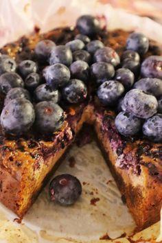 Taivaallinen mustikka-valkosuklaakakku – Maijan Maailma Pepperoni, Ricotta, Pizza, Sweet, Food, Hoods, Meals