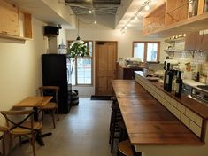 Cafe Shop Design, Store Design, Bar Interior, Restaurant Interior Design, Ramen Bar, Italian Bar, Small Space Design, Small Restaurants, Cafe Style