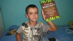"Este usuario nos dice que ""Me gusta este libro porque me enseña buenos trucos para jugar a Minecraft, mi juego de la X-BOX favorito"" (Nº19)"