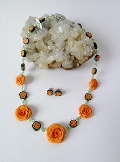 Rosenkette in Orange mit passenden Ohrrsteckern von Creativinsel auf Etsy