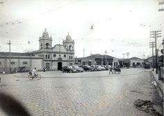 1941 - Largo dos Pinheiros. Obras de pavimentação, vistas da rua São Manuel em direção à rua Fernão Dias.
