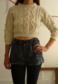 VINTAGE HAND KNITTED ARAN & BOBBLE CROPPED JUMPER SIZE XS