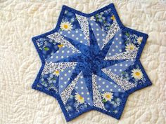 Attic Window Quilt Shop: I LOVE THESE TABLE TOPPERS