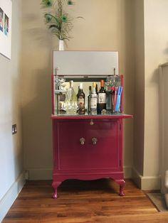 Image result for refurbished drinks cabinet Refurbished Furniture, Upcycled Furniture, Vintage Furniture, Diy Furniture, Furniture Design, Home Cocktail Bar, Drinks Cabinet, Bars For Home, Living Spaces
