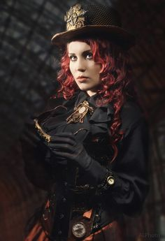 34 State Of Art Steampunk Costumes For Womens That Will Intrigue You - Steampunko Steampunk Couture, Viktorianischer Steampunk, Steampunk Cosplay, Steampunk Clothing, Steampunk Dress, Victorian Gothic, Victorian Fashion, Modern Victorian, Victorian Women