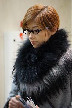 みりお 3/1〜出待ち(中日劇場) Fur Coat, Lady, Fur Coats, Fur Collar Coat