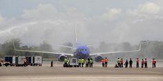 Celebra Puerto Vallarta llegada de vuelo directo desde Orange County