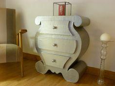 Mon tout premier meuble en carton fait lors de ma formation !