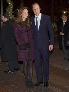 Kate Middleton wore a deep crimson-colored coat by Seraphine Maternity and carried a Stuart Weitzman clutch in New York City. Maternity Fashion, Maternity Style, Style Snaps, Princess Diana, Duchess Of Cambridge, Kate Middleton, Stuart Weitzman, Suit Jacket, Celebrities