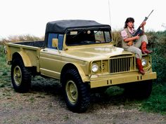 1967 Kaiser Jeep M715 Military Truck 4x4 classic pickup