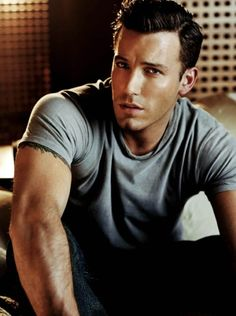 ben affleck....damn! Is it weird I find him attractive because he directs pretty awesome films