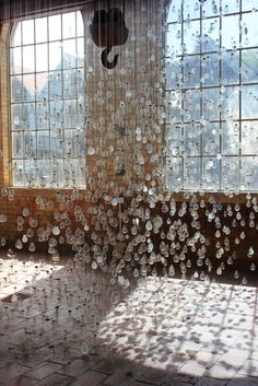 Ephemeral Rays /Charlotte Smith  Dust is a... - instalaciones efimeras
