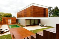 Haack House 4 Privacy Without The Use of Walls or Fences: Haack House in Brazil