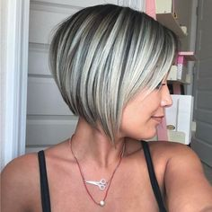 10 Easy Straight Bob Hairstyles with Beautiful Balayage - Bob Haircut 2020 Layered Bob Hairstyles, Haircuts For Fine Hair, Short Bob Haircuts, Hairstyle Short, Hairstyles Haircuts, Medium Hairstyles, Style Hairstyle, Short Hairstyles For Thin Hair, Bob Haircut For Round Face