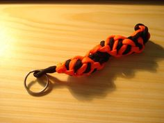 "How to make ""the wrapture"" paracord keychain."
