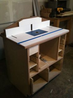 Deluxe Router Station #1: The Deluxe Router Station - by bachambers @ LumberJocks.com ~ woodworking community