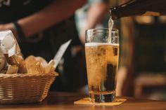 Hamburg Beer Week 2021: Die besten Veranstaltungen | Genuss-Guide Beer Images, Beer Pictures, Benefits Of Drinking Beer, Non Alcoholic Beer, Carne Asada, Bar Restaurant, Free Beer, Wine Glass Charms, How To Make Beer