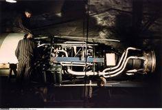 1944, Allemagne, Nordhausen, Konzentrationslager Dora-Mittelbau, Des prisonniers travaillent à la constructions de roquettes V1 et V2 - 13/14