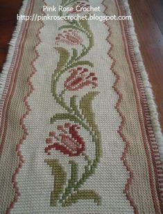Discover thousands of images about [Tapete+Arraiolo-+Tapestry+Embroidery+-+PinkRose. Cross Stitch Borders, Cross Stitch Flowers, Cross Stitching, Cross Stitch Patterns, Beaded Embroidery, Embroidery Stitches, Crochet Bedspread, Chicken Scratch, Simple Photo