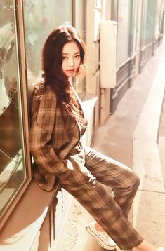 Your source of news on YG's biggest girl group, BLACKPINK! Blackpink Jennie, Blackpink Fashion, Korean Fashion, Square Two, Ft Tumblr, Blackpink Members, Blackpink Photos, Blackpink Jisoo, Look At You