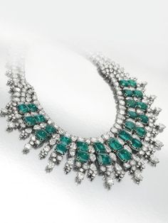 Harry Winston Crown | ... Harry Winston is showcasing it's one of a kind diamond caftan necklace