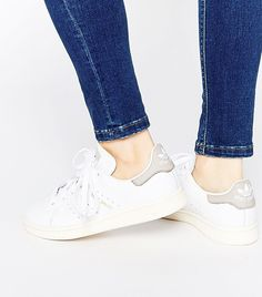 Ask an Editor: Please Help Me Find the Perfect White Sneakers via @WhoWhatWearUK