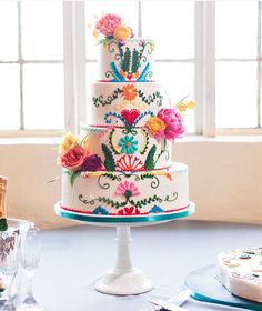 Colourful fiesta wedding inspiration with a Mexican inspired festive wedding cake. Photo by Ely Fair Photography Mexican Fiesta Party, Fiesta Theme Party, Festa Party, Pretty Cakes, Beautiful Cakes, Amazing Cakes, Bolo Cake, Tier Cake, Mexican Birthday