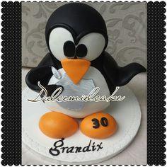 Tarta pingüino Ubuntu 3D!!! Facebook dulcemielcake Dulcemielcake.blogspot.com