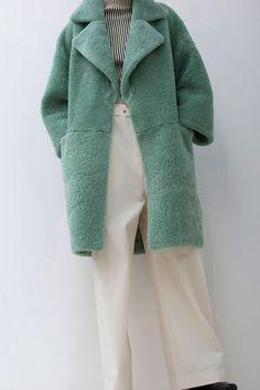 264846aea8dd Christian Wijnants, Look Fashion - haute couture - style - art - couture -  dress - mode     sac   bag   purse -