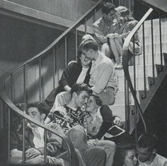 """Teen love, from: This Fabulous Century """" 1950s Teenagers, 1940s Decor, Life In The 1950s, Teen World, Teenage Love, Body Image, Old Photos, Vintage Photos, Historical Photos"""
