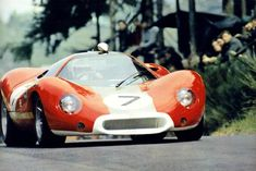 The Alan Mann Ford P68 reached a good 5th position in the practice for the 1000 Kms 1968 but didn't finish the race due to brake problems.