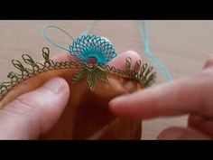 Tatting Jewelry, Needle Lace, Crochet Hair Styles, Ribbon Embroidery, Crochet Stitches, Diy Crafts, Make It Yourself, Point Lace, Made By Hands