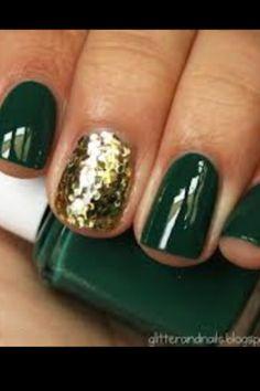 Deck your nails with red and glitter fa-la-la-la-la, la-la-la-la.