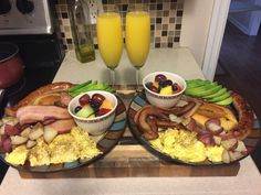 [Homemade] Girlfriend has a birthday this weekend. Made a big breakfast for her......and me. http://ift.tt/2dpPKiE
