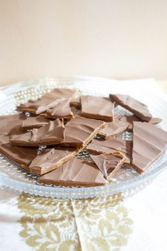 Joulukarkit – poimi ohjeet ja tee itse! | Maku Toffee, Fudge, Panna Cotta, Sweet Treats, Food And Drink, Sweets, Candy, Baking, Breakfast